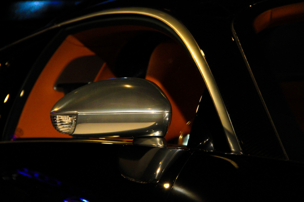 Bugatti Veyron Window