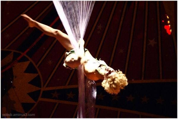Circusact with showercurtain 2