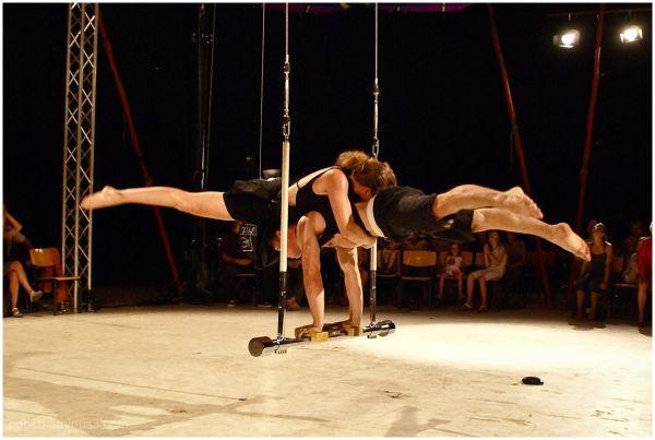 Circus-Acrobats 1