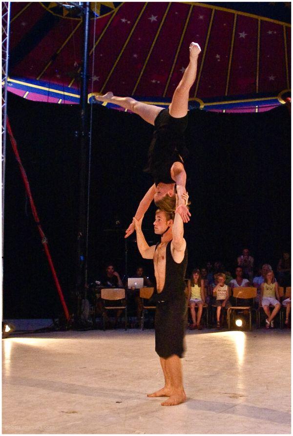 Circus-Acrobats 2