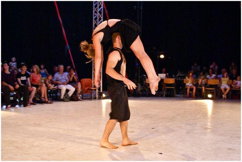 Circus-Acrobats 3