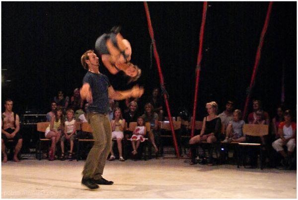 Circus-Acrobats 7