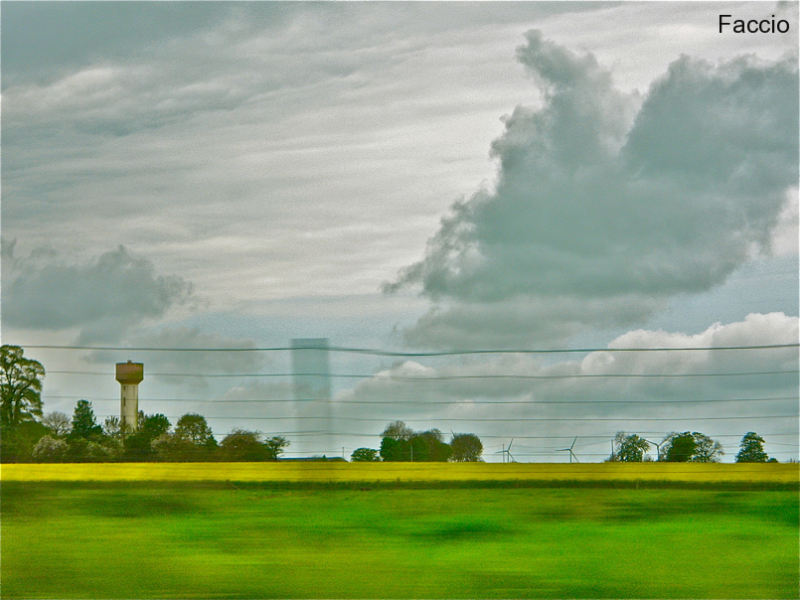 Blurred landscape in green and grey (from Faccio)
