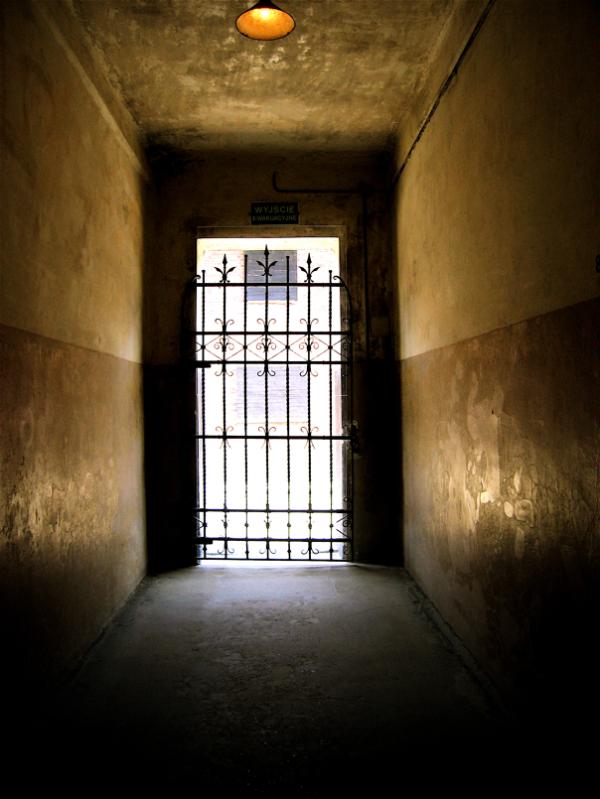 Nowhere door/Ez irtetzeko atea