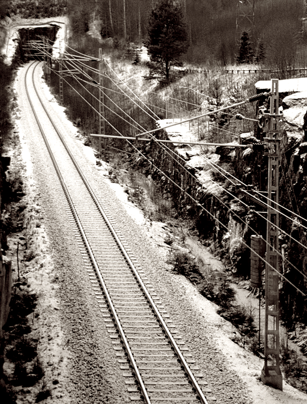 Railway and tunnel/Trenbidea eta tunela
