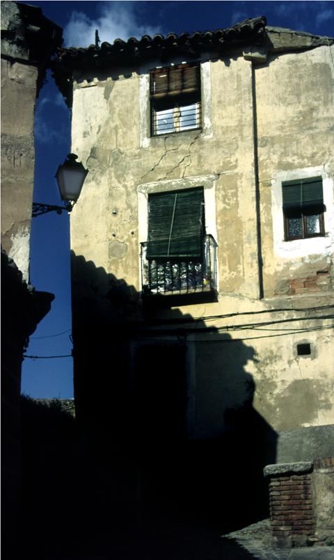Old house/Etxe zaharra