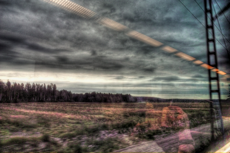 Oroipenak trenean/Train travel