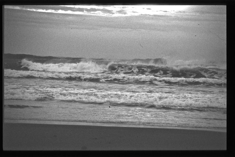 Olatuak bueltan datoz/Waves come back