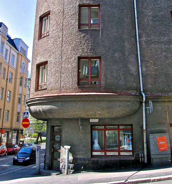 Izkinako denda/The shop in the corner
