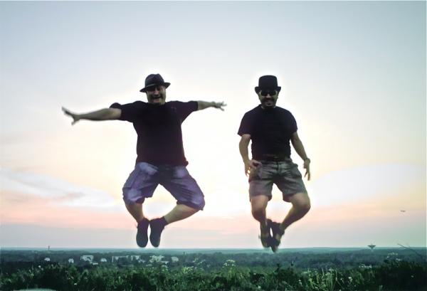 Saltoka berriro/We jump again!