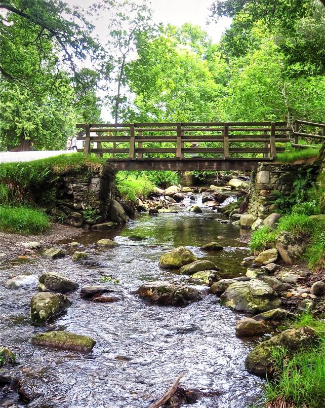 Zubi azpia/Below the bridge