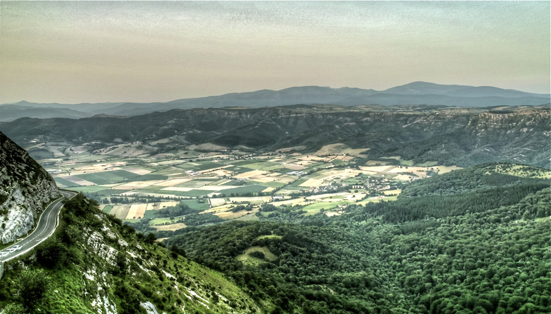 Haranerako jeitsiera/Way down to the valley