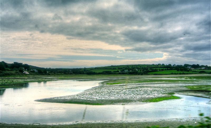 Urdin. Ura eta lainoak/Water and clouds