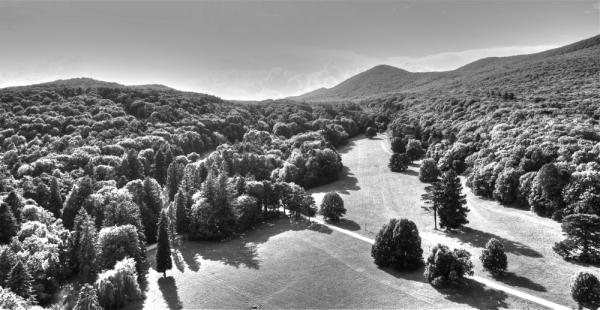 Mendiak eta itzalak/Mountains and shadows