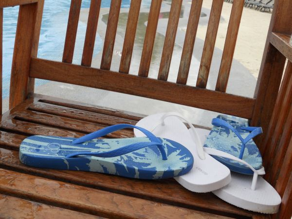 lifestyle pool sandals mexico
