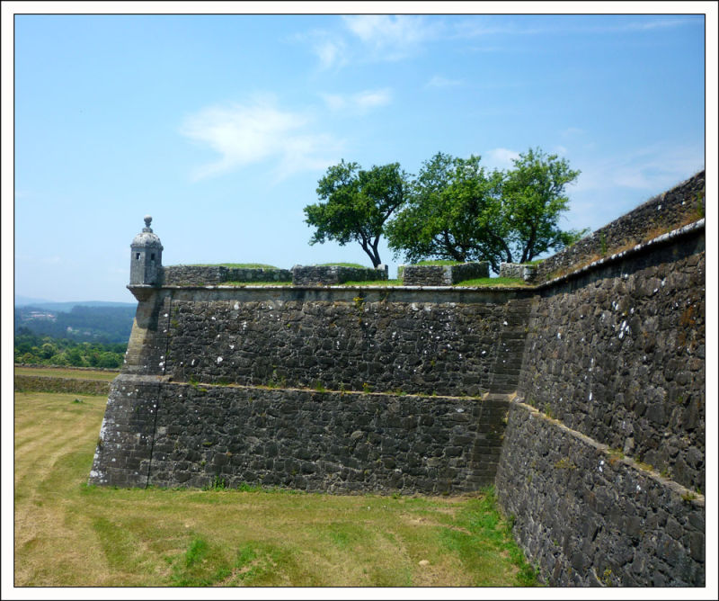 Valenca City Walls