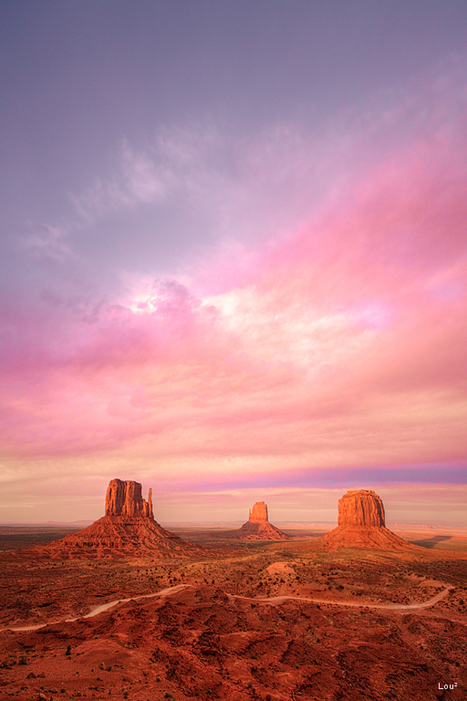 #1062 - Golden Hour in Monument Valley