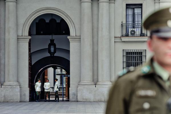 soldier La Moneda Palace in Santiago