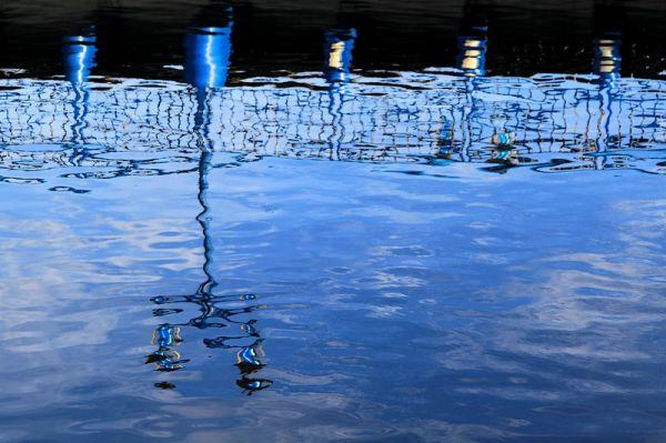 Peintures à l'eau 5 : Bleu nuit .