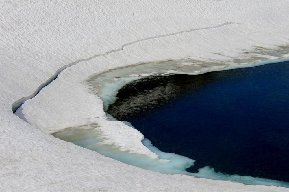 Les Yeux Dans Le Lac / Eyes Into The Lake