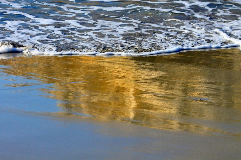 Se Dorer Sur La Plage / To Sunbathe On The Beach