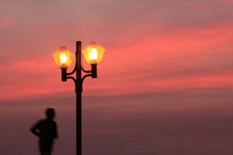 Passer Dans La Lumière / Pass In The Light