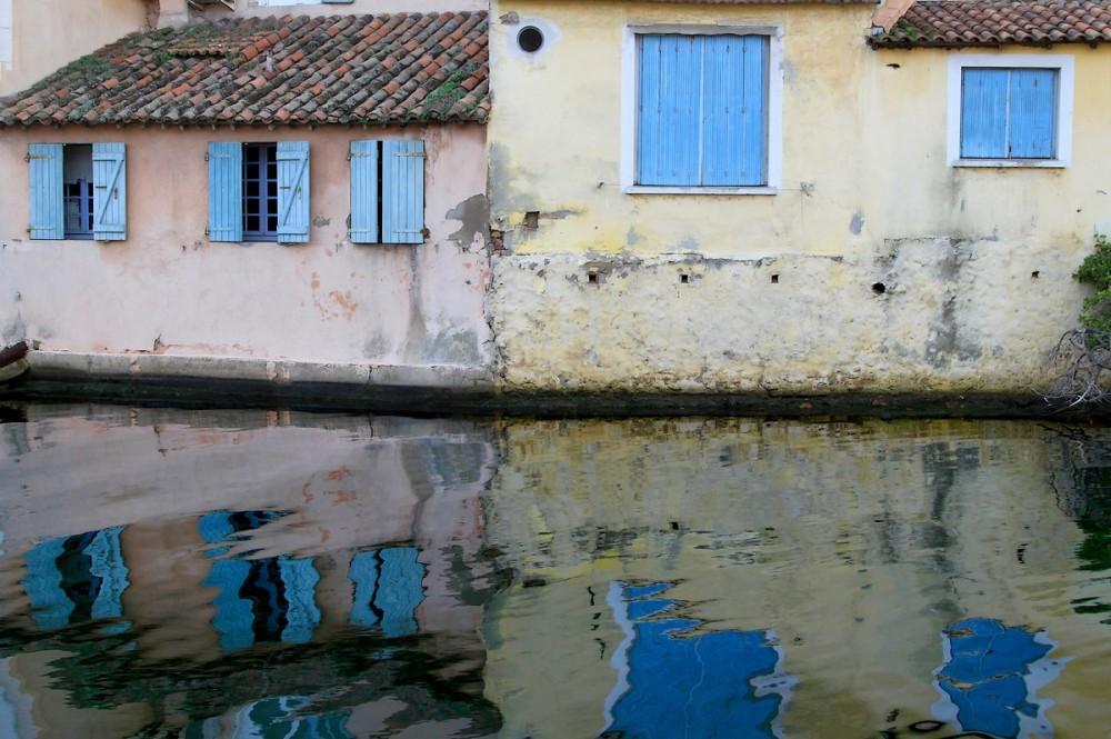 Les Pieds Dans L' Eau / Feet In The Water
