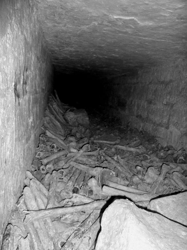 The ossuaries of Montparnasse of the catacombs