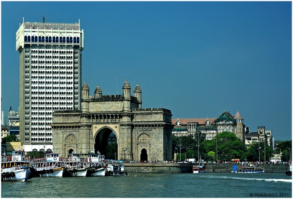 Gateway of India & Hotel New Taj.