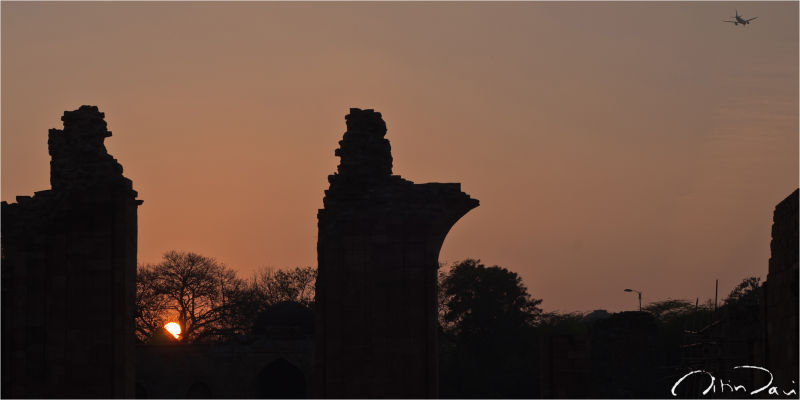 Silhouettes at the Qutub