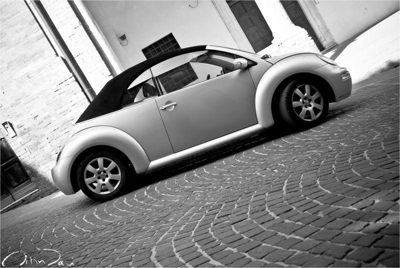 volkswagen beetle in urbino in italy