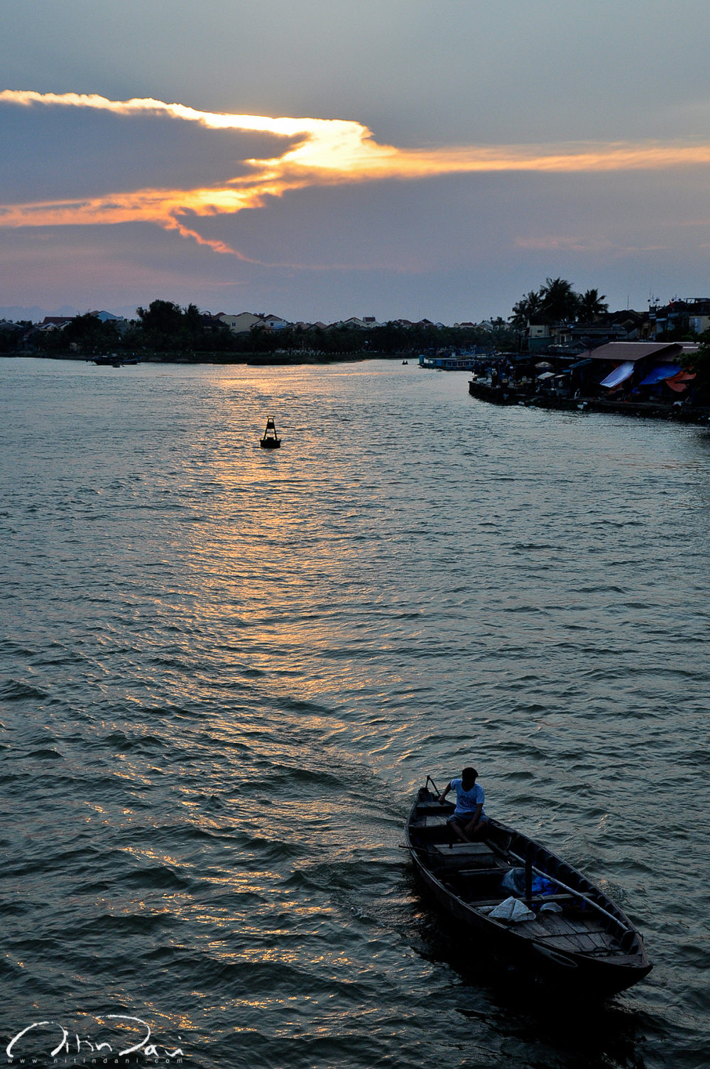Rowing into the Hoi An Dusk