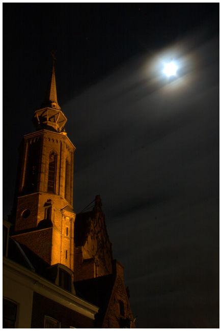Utrecht church tower night