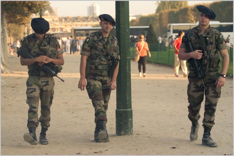 Soldiers, stroll, Paris