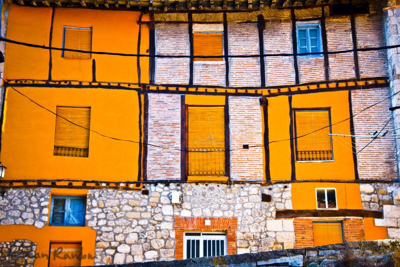 a facade of a house in Pancorbo
