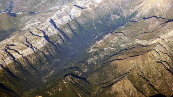 Pyrenees vue aerienne