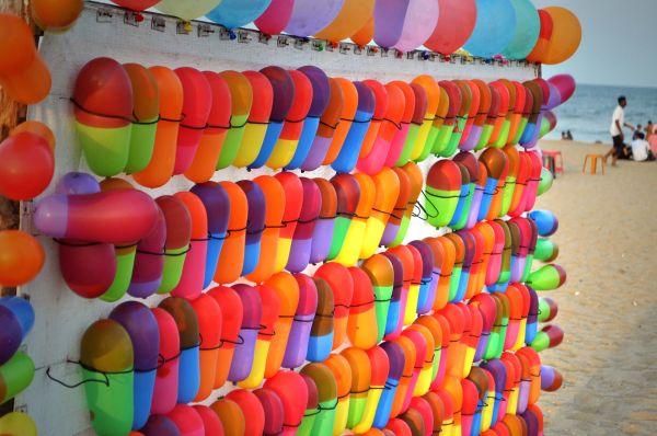 balloon at elliots beach