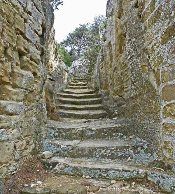 escalier (grottes de calès)