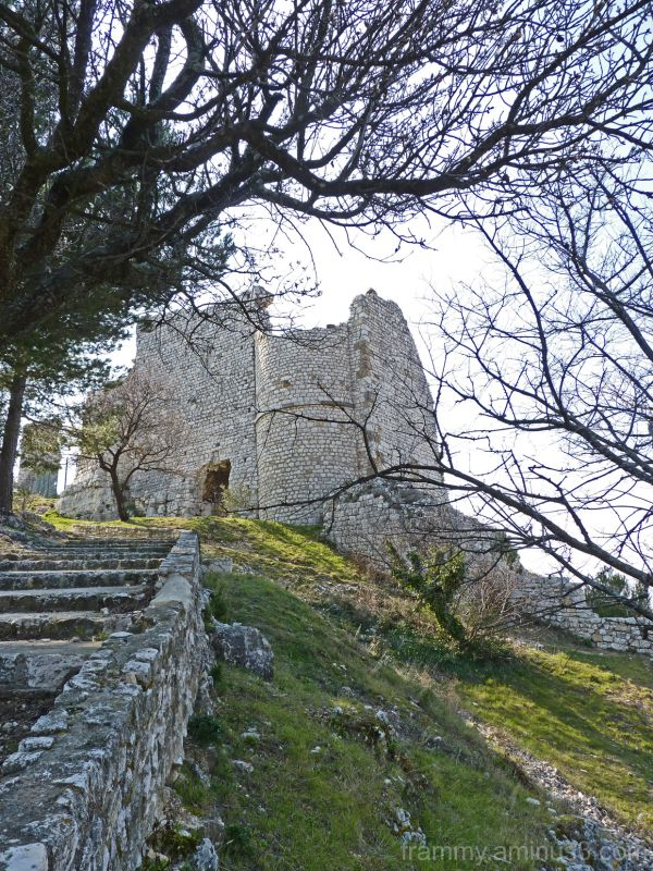 chateau en ruine a Ventabren