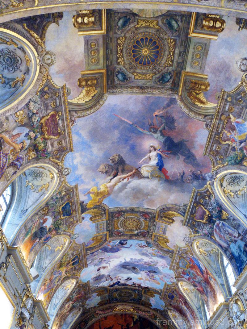 le plafond formidable de la mairie n °1