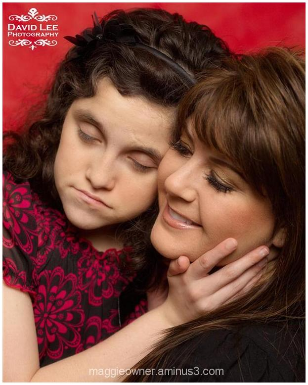 Mother/Daughter holiday love