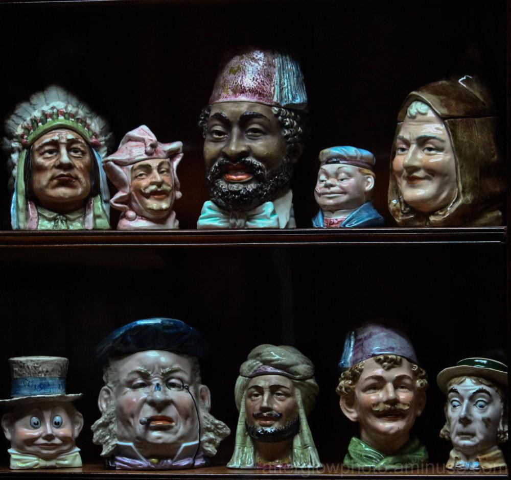 Tobacco Heads
