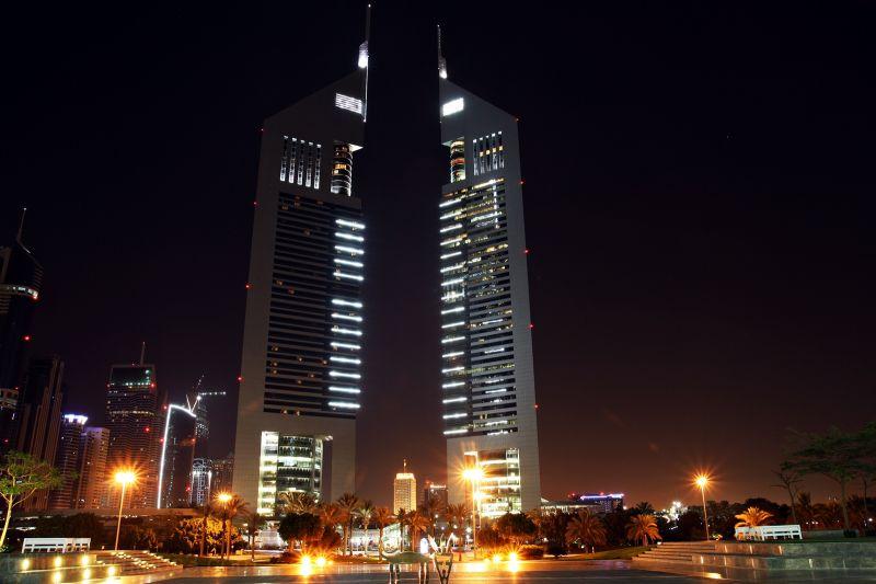 night shooting (emirate towers)