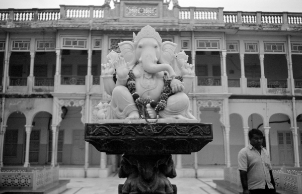 ganesha statue in rani-sati temple