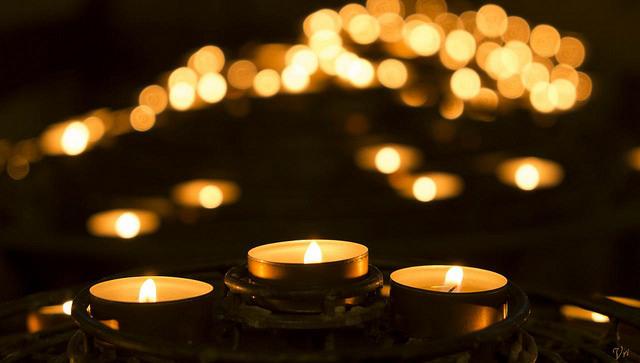 Candle in Notredame de París