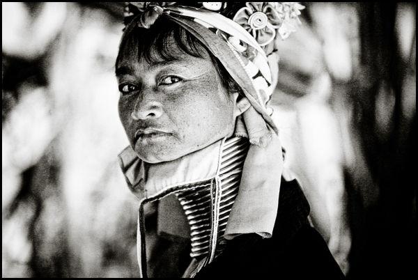 portrait of a Long Neck woman