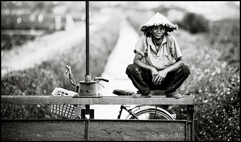 portrait of a vietnamese man from Hoi An