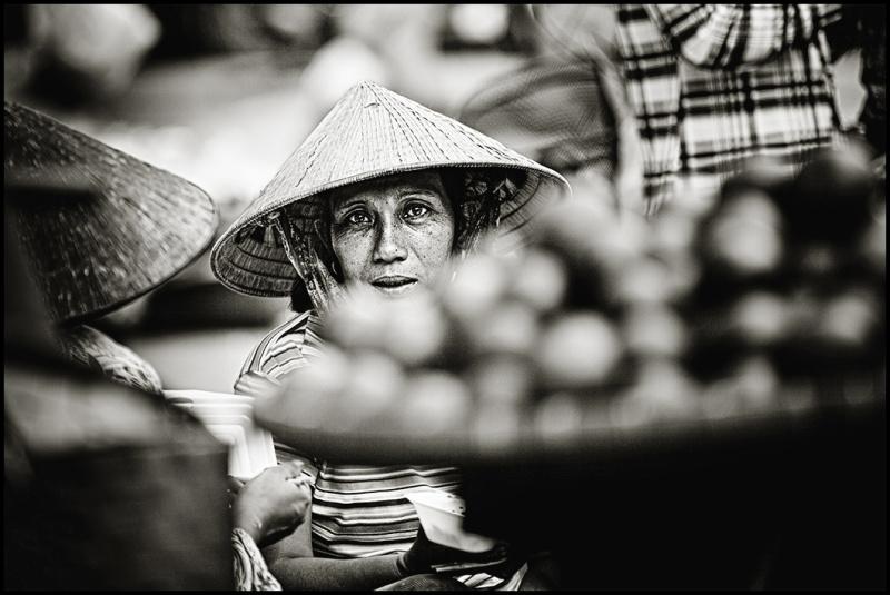 portrait of a vietnamese fruitseller