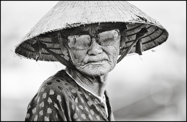 portrait of a vietnamese fisher lady