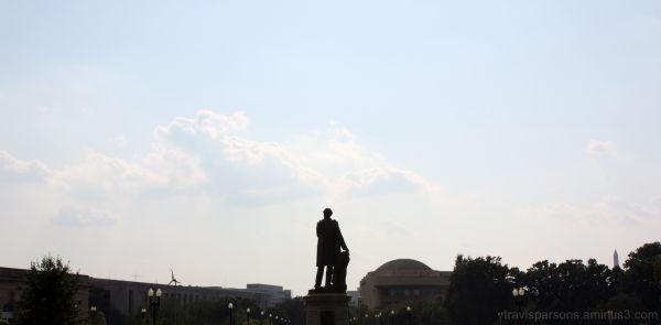 statues DC